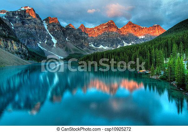восход, морена, пейзаж, красочный, озеро - csp10925272