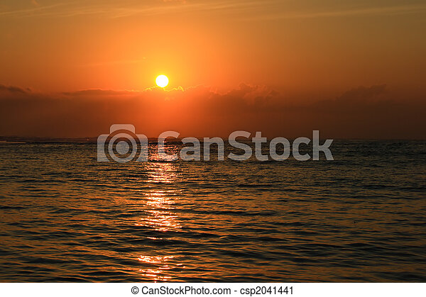 восход, океан - csp2041441