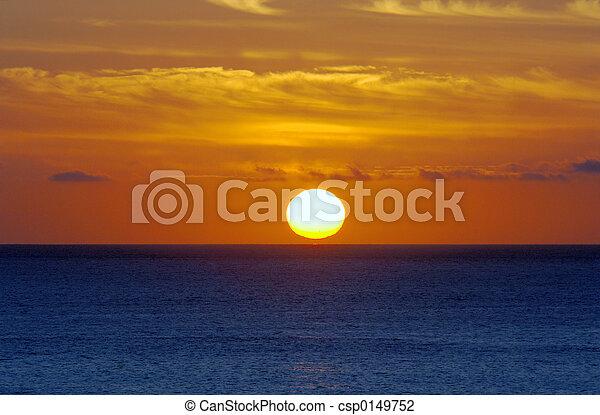 восход, океан - csp0149752