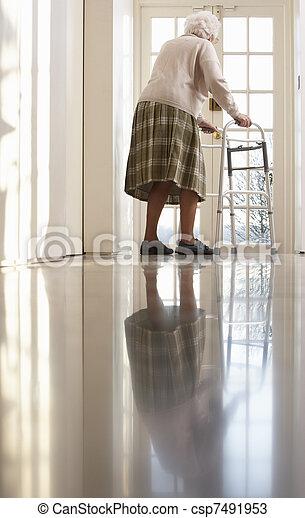 гулять пешком, женщина, рамка, пожилой, с помощью, старшая - csp7491953