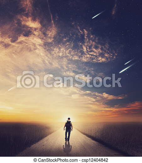 гулять пешком, закат солнца, человек - csp12404842