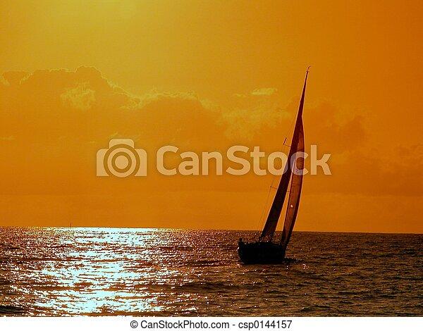 закат солнца, парусный спорт - csp0144157