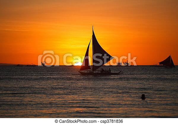 закат солнца - csp3781836