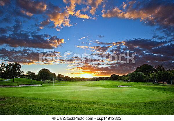 курс, гольф, закат солнца - csp14912323