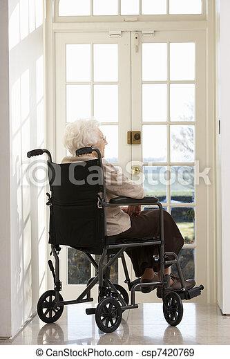 отключен, инвалидная коляска, женщина, старшая, сидящий - csp7420769