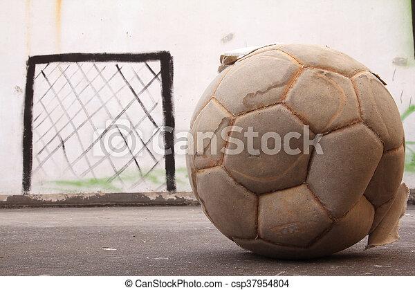 Бетона футбол дом керамзитобетона или газобетона